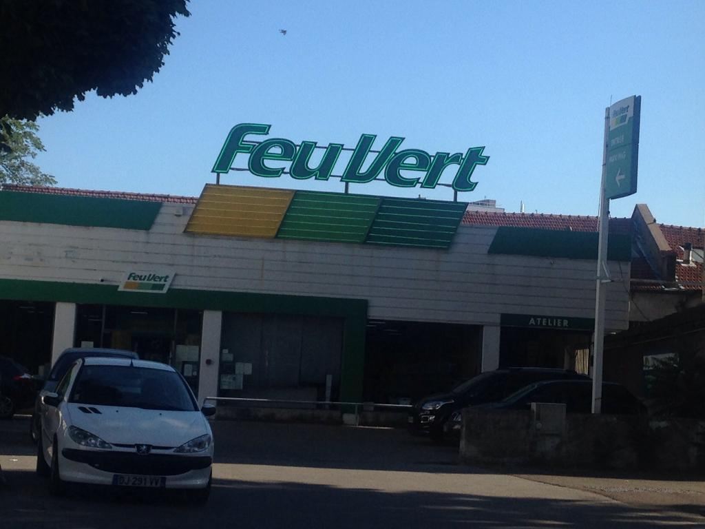 feu vert garage automobile 81 avenue galline 69100