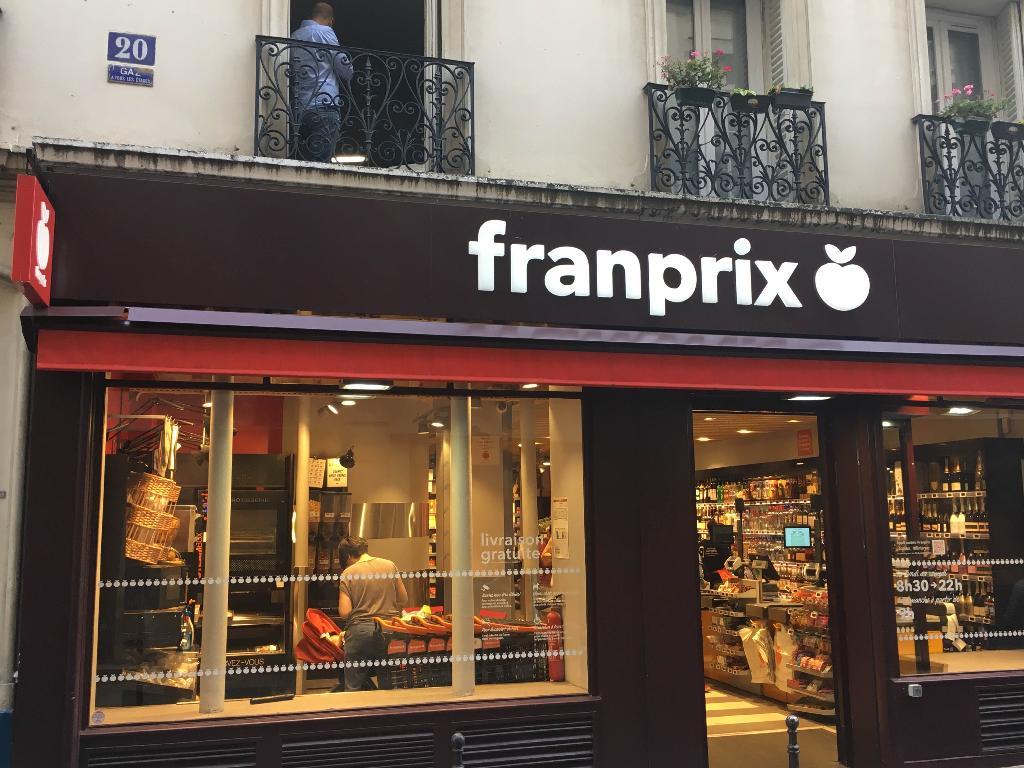 Franprix paris supermarch hypermarch 20 rue du bourg - Monoprix rue saint antoine ...