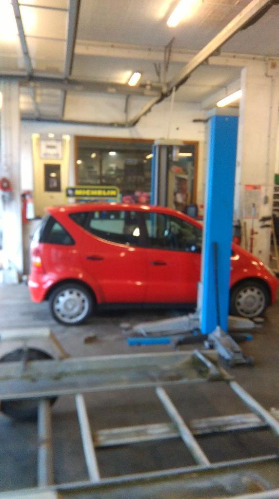 Garage eric le floc 39 h garage automobile 20 rue henri for Garage de la gare pontault