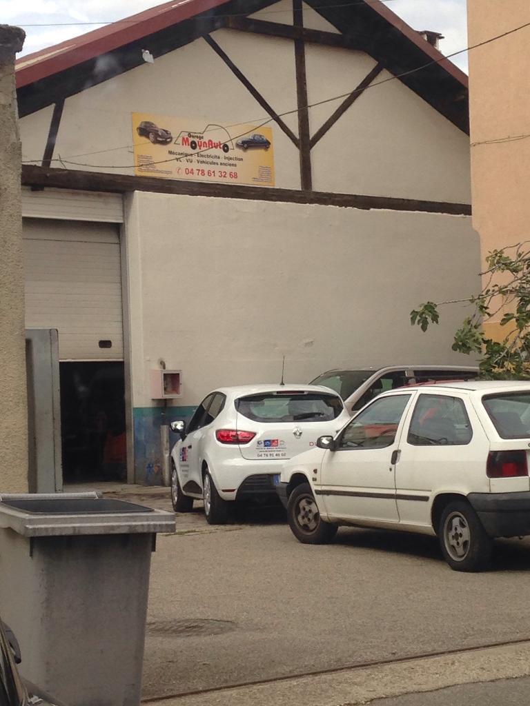 Garage moynauto garage automobile 111 rue andr bollier 69007 lyon adresse horaire - Garage renault sainte foy les lyon ...