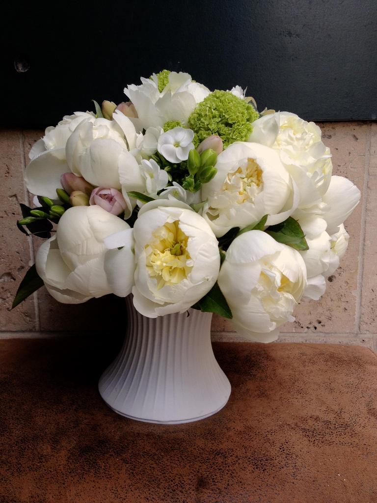 gisou fleurs fleuriste 5 place saint roch 40000 mont de marsan adresse horaire. Black Bedroom Furniture Sets. Home Design Ideas