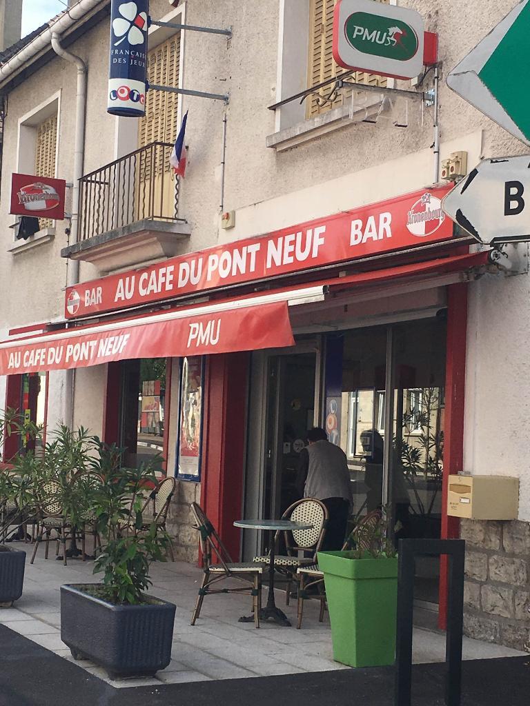 Giurgola caf bar 4 avenue jules guesde 10150 pont for Avenue jules dujardin 5