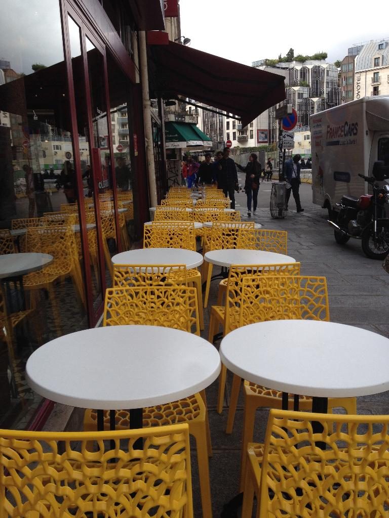 gladines halles restaurant 11 bis rue halles 75001. Black Bedroom Furniture Sets. Home Design Ideas
