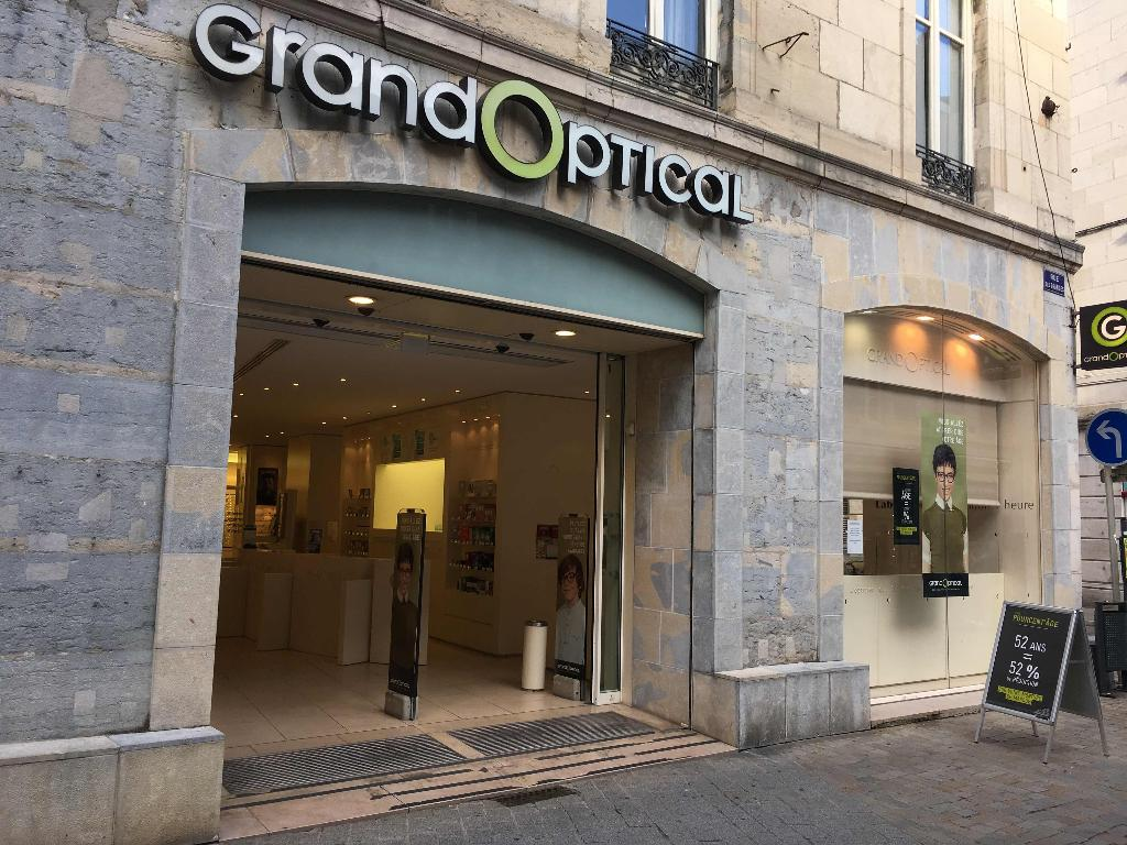 Grand optical opticien 9 rue granges 25000 besan on adresse horaire - Piscine mallarme besancon horaire ...