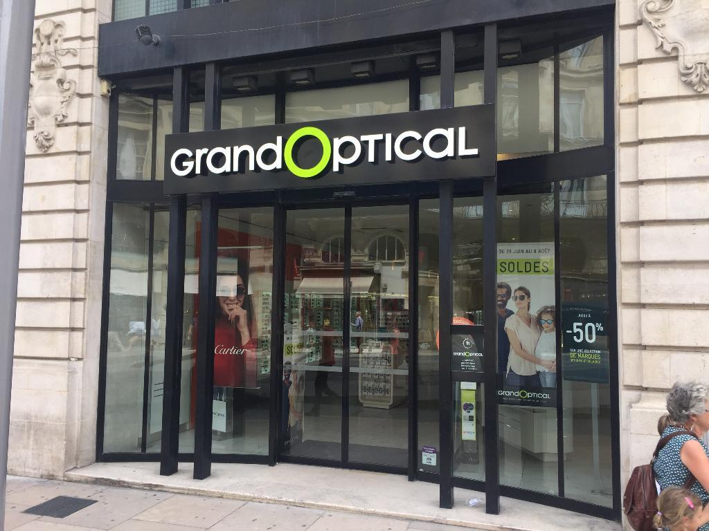 grand optical opticien 4 cours de l 39 intendance 33000 bordeaux adresse horaire. Black Bedroom Furniture Sets. Home Design Ideas