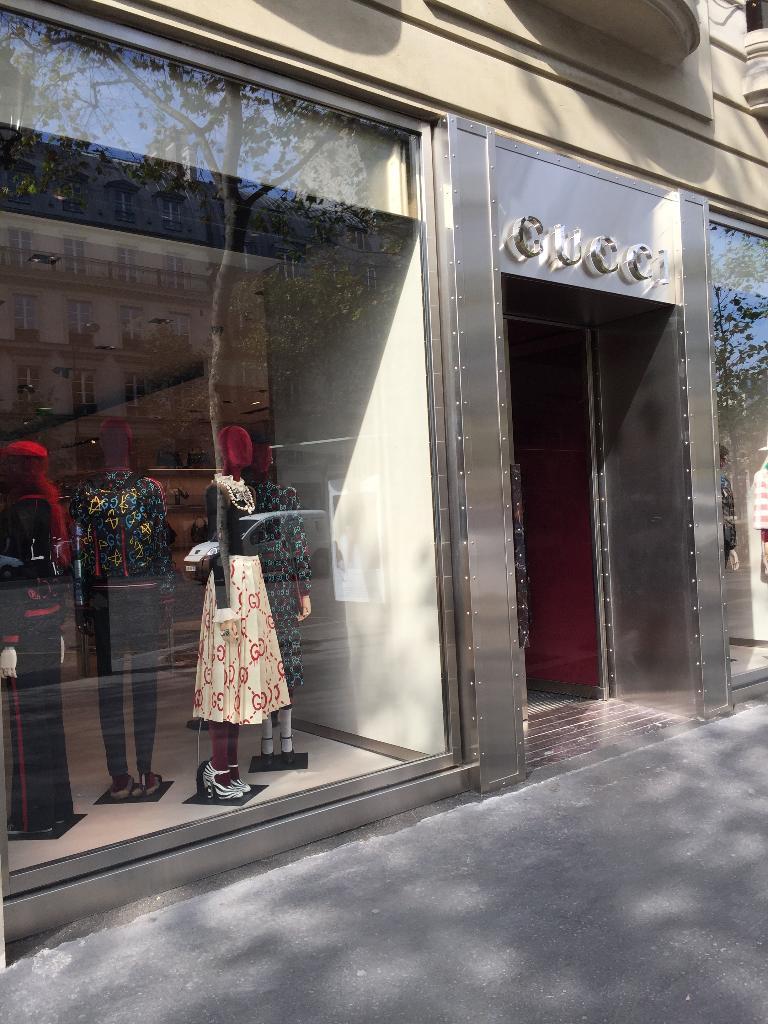 gucci france maroquinerie 2 rue du faubourg saint honor 75008 paris adresse horaire. Black Bedroom Furniture Sets. Home Design Ideas