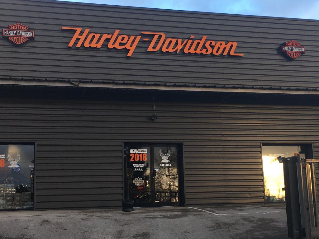 harley davidson besan on agent concessionnaire motos et scooters 5 rue edouard belin 25000. Black Bedroom Furniture Sets. Home Design Ideas