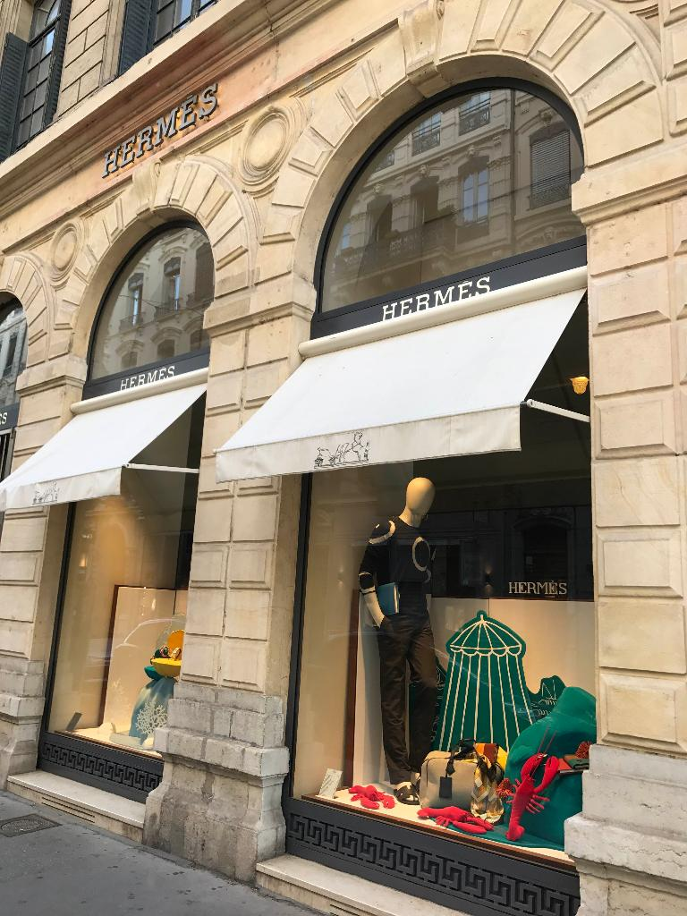 Hermès, 96 r Prés Edouard Herriot, 69002 Lyon - Maroquinerie (adresse,  horaires, avis) 8704e2fe187