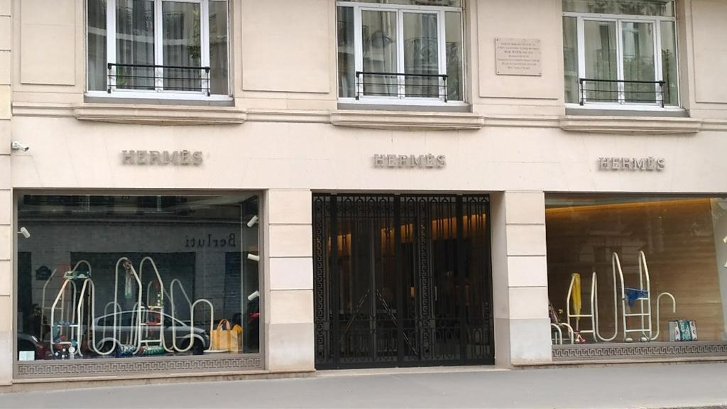 Herm s maroquinerie 17 rue s vres 75006 paris adresse for Garage mercedes paris 17 rue cardinet