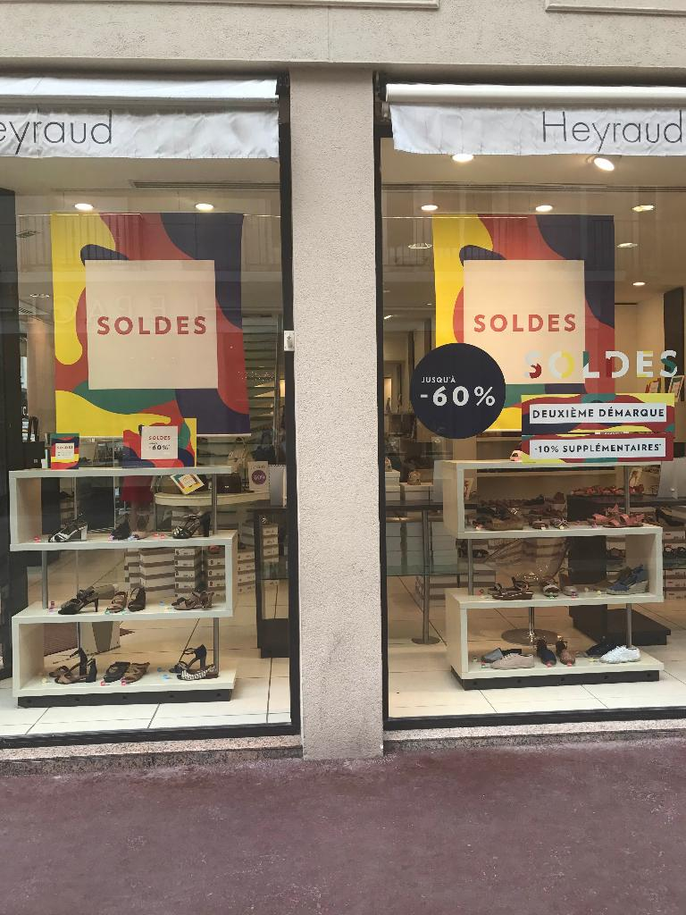 heyraud chaussures 23 rue carmes 76000 rouen adresse horaire. Black Bedroom Furniture Sets. Home Design Ideas