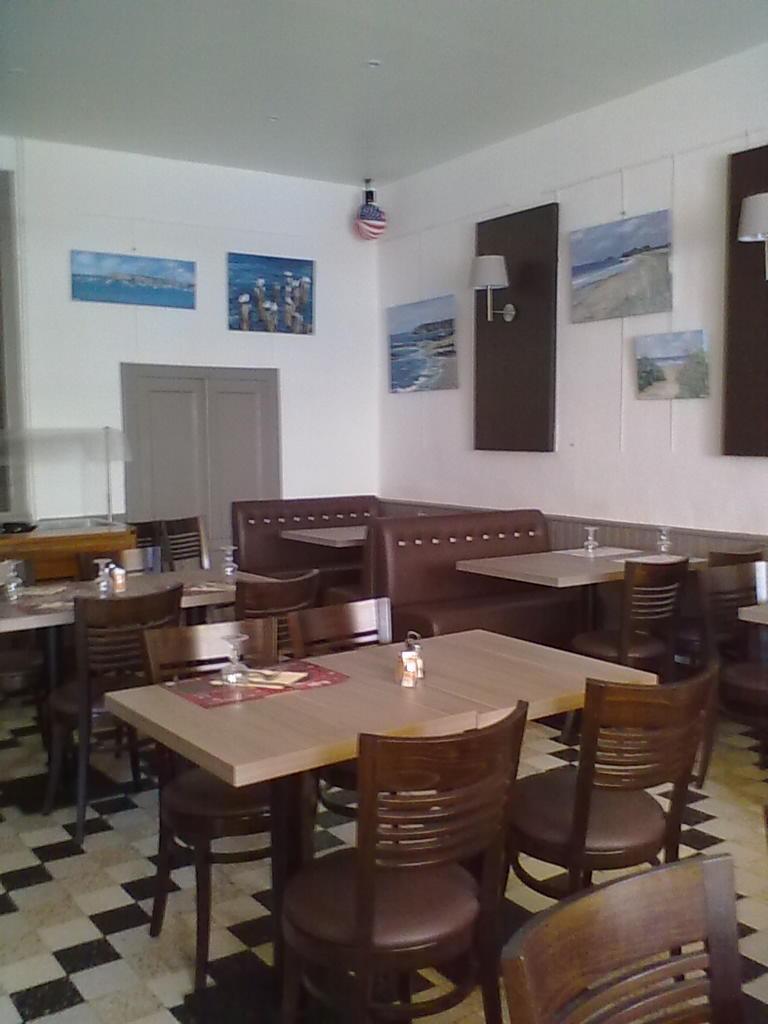 H tel restaurant du commerce h tel 28 rue rapha l de - Rue du commerce cuisine ...