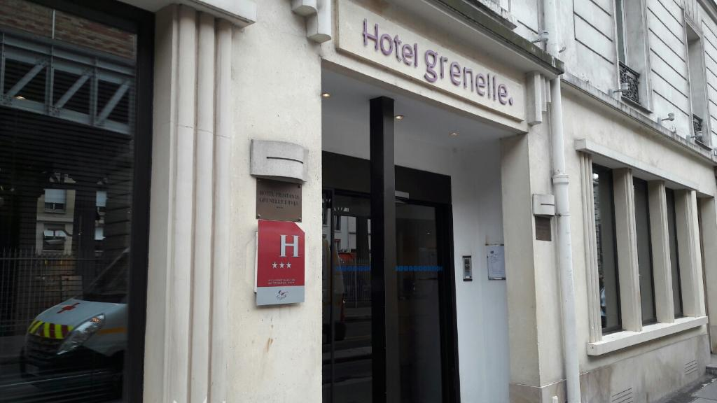 H tel grenelle h tel 140 boulevard de grenelle 75015 for Hotels 75015