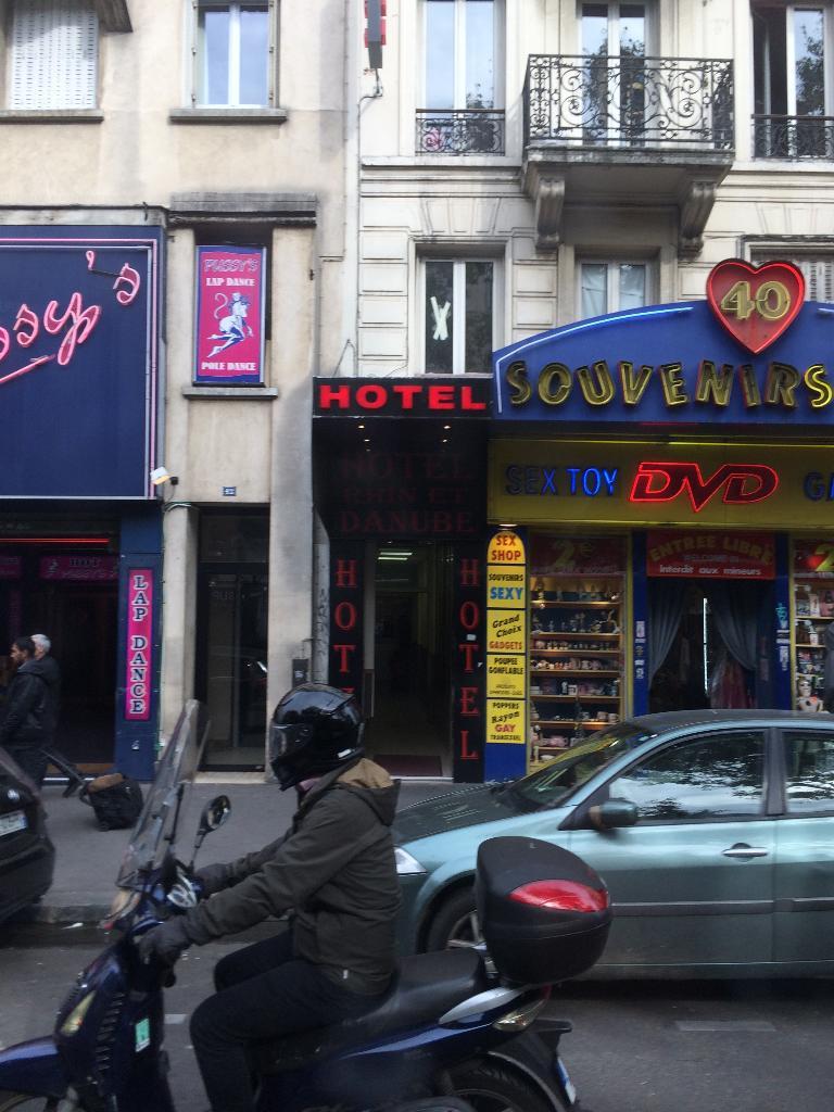 Hôtel Rhin Et Danube - Hôtel, 3 place Rhin et Danube 75019 Paris ...