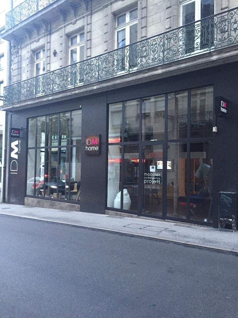 idm home magasin de meubles 27 rue du calvaire 44000 nantes adresse horaire. Black Bedroom Furniture Sets. Home Design Ideas