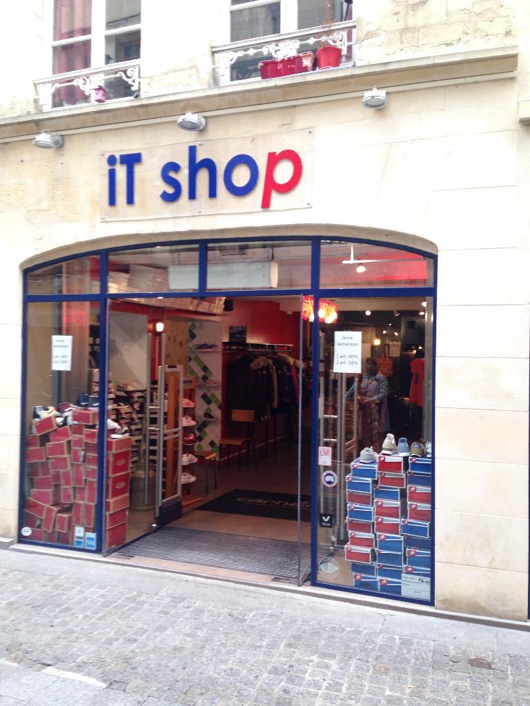 it shop v tements femme 2 rue froide 14000 caen adresse horaire. Black Bedroom Furniture Sets. Home Design Ideas