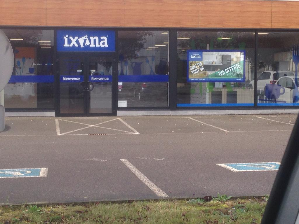 Ixina thionville vente et installation de cuisines 10 for Piscine thionville