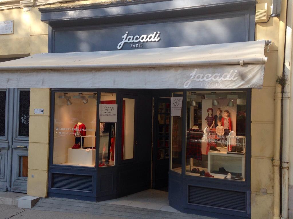 Jacadi chaussures 78 cours victor hugo 13300 salon de for 13300 salon de provence