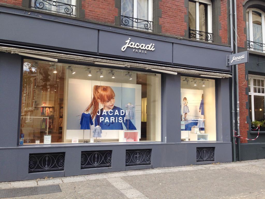 18b05767a046d8 Jacadi - Chaussures, 3 parvis Saint Maurice 59000 Lille - Adresse ...