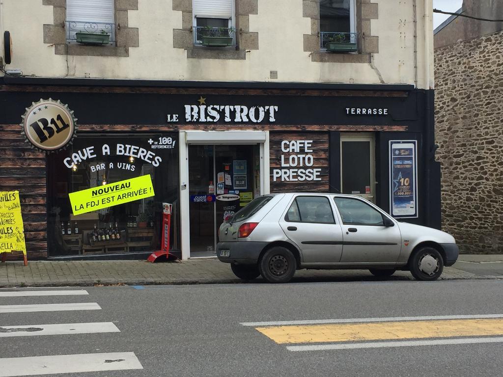 Jacq 39 pot bar journaux presse et magazines 31 rue for Top garage brest