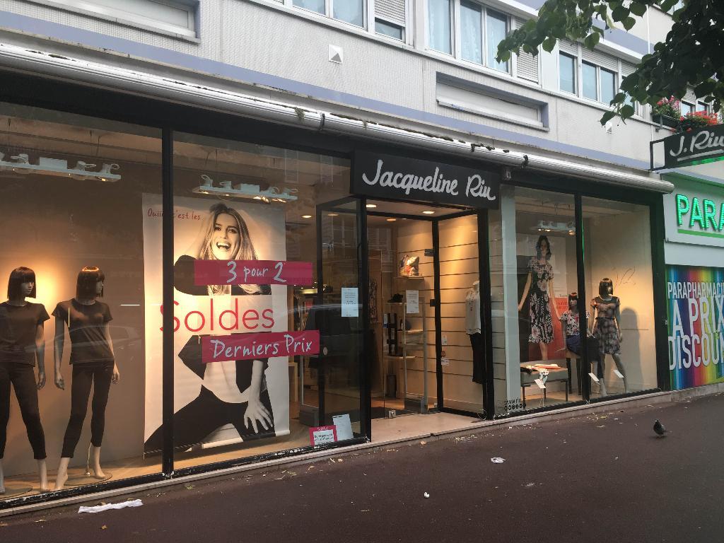 d38cf202765f Jacqueline Riu - Vêtements femme, 46 rue Paul Vaillant Couturier ...