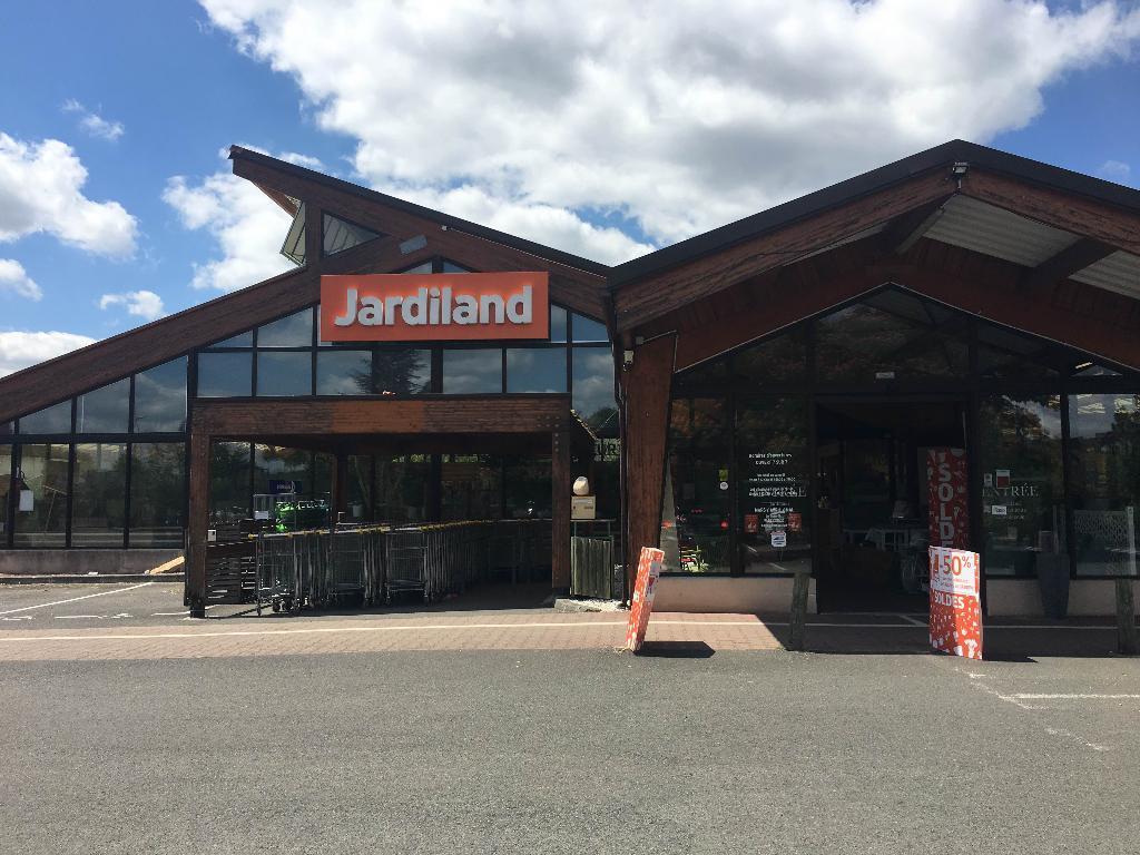 jardiland enseignes jardinerie 256 avenue g n ral de gaulle 16800 soyaux adresse horaire. Black Bedroom Furniture Sets. Home Design Ideas