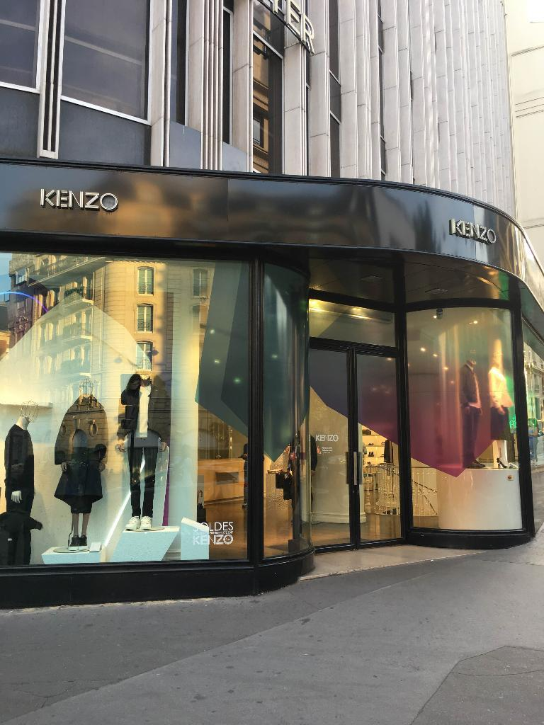 c492582c5bae Kenzo - Vêtements femme, 49 avenue George V 75008 Paris - Adresse ...