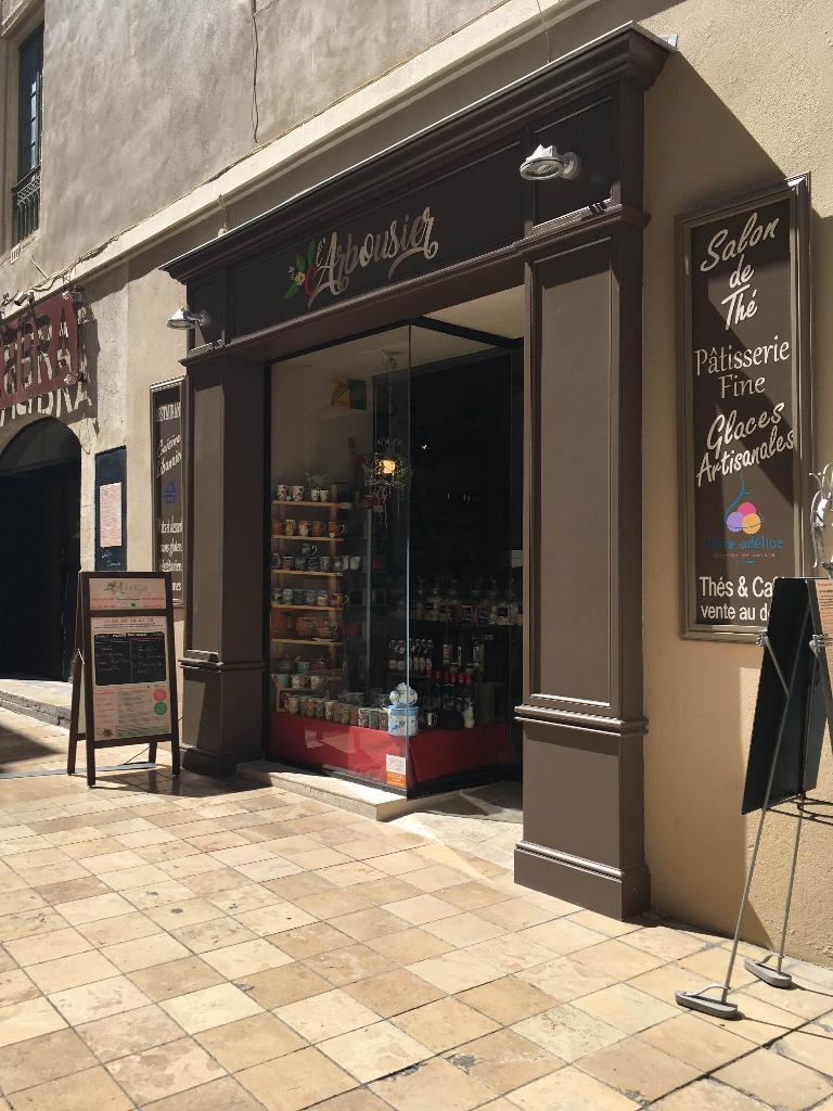 L 39 arbousier restaurant 18 rue de l 39 horloge 30000 n mes for Salon bio nimes