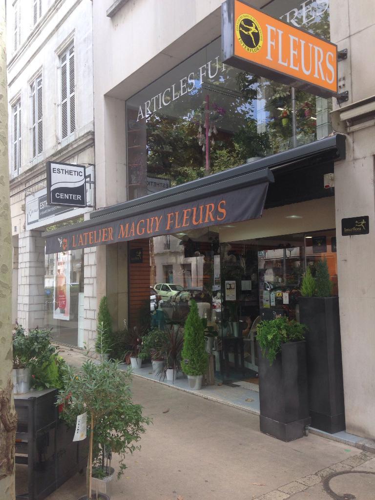 l'atelier maguy fleurs - fleuriste, 16 avenue gambetta 17100