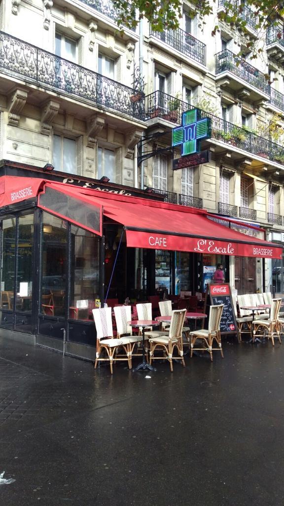 L Escale Restaurant 70 Avenue De La Grande Arm 233 E 75017