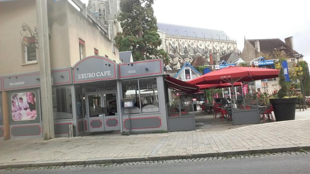 l 39 euro caf restaurant 41 rue moyenne 18000 bourges. Black Bedroom Furniture Sets. Home Design Ideas