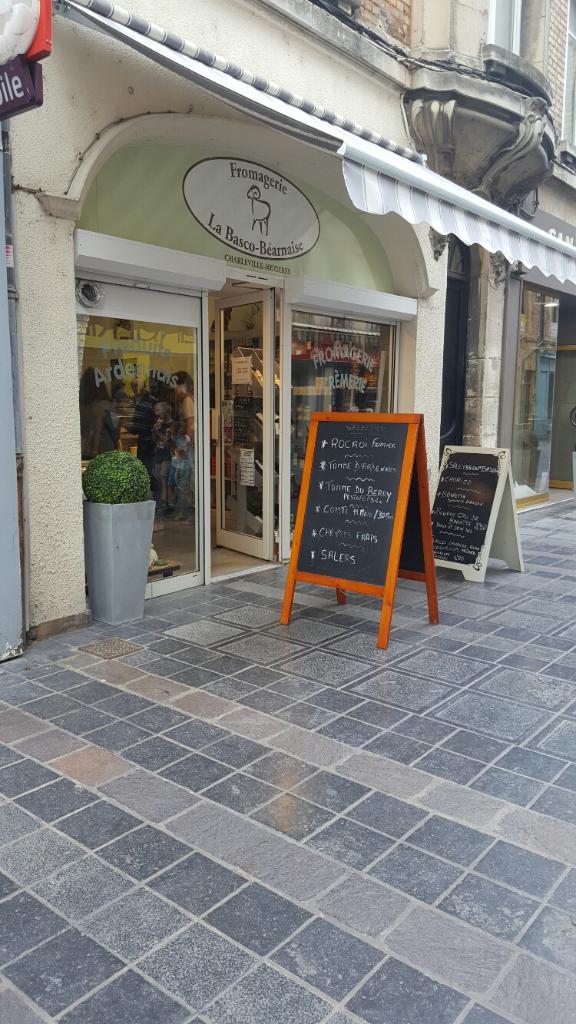 La basco b arnaise fromagerie 32 rue bourbon 08000 for Horaires piscine charleville