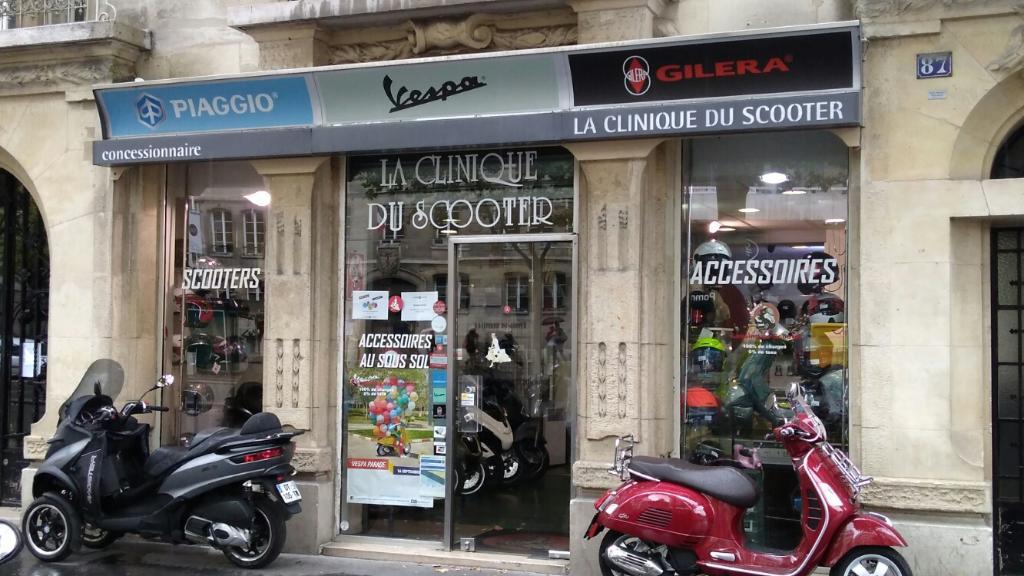la clinique du scooter 2 agent concessionnaire motos et scooters 87 boulevard du montparnasse. Black Bedroom Furniture Sets. Home Design Ideas