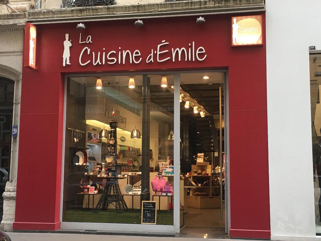 La cuisine d 39 emile articles de cuisine 18 rue brest - Cours de cuisine brest ...