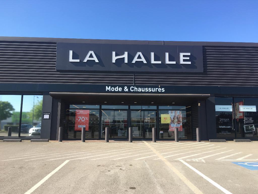 Halle Magasins La Saint Dizier De VêtementadresseHorairesAvis nN0mv8wO
