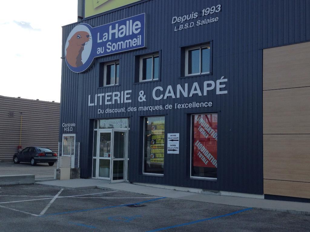 La halle au sommeil literie 146 rue gli res 38150 for La halle au canape