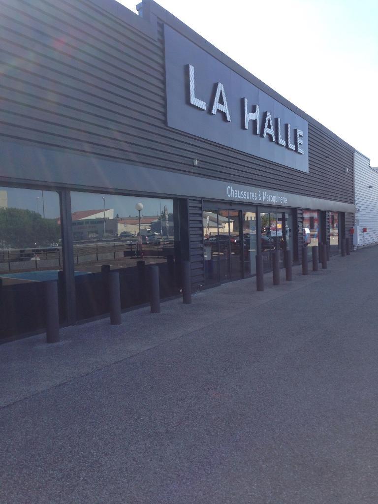 df21ece267bb Halle Aux Chaussures, Le Mas, 07430 Davézieux - Magasin de chaussures  (adresse, horaires)