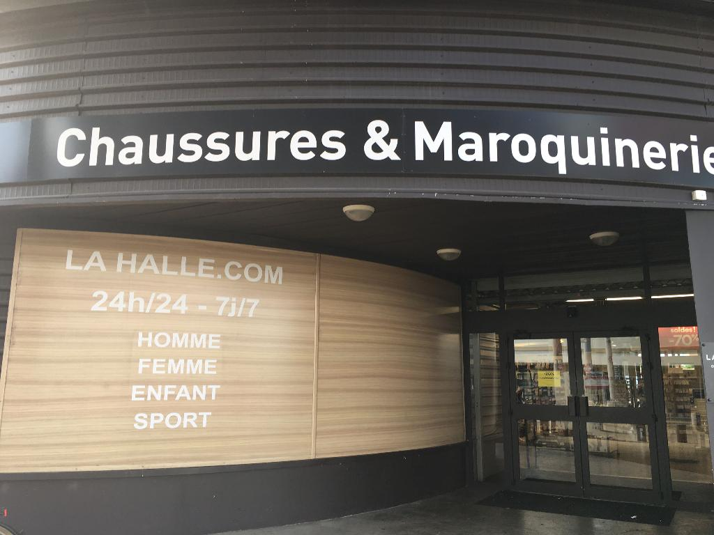 027b4dd45a7614 La Halle - Chaussures & Maroquinerie, 4506 cours Jean Monnet, 30900 Nîmes -  Magasin de chaussures (adresse, horaires, avis)