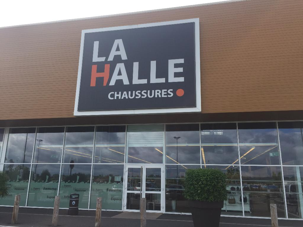 La Pineuilh Halle Chaussures Maroquinerie amp; 33220 R Commanderie wwFPTq