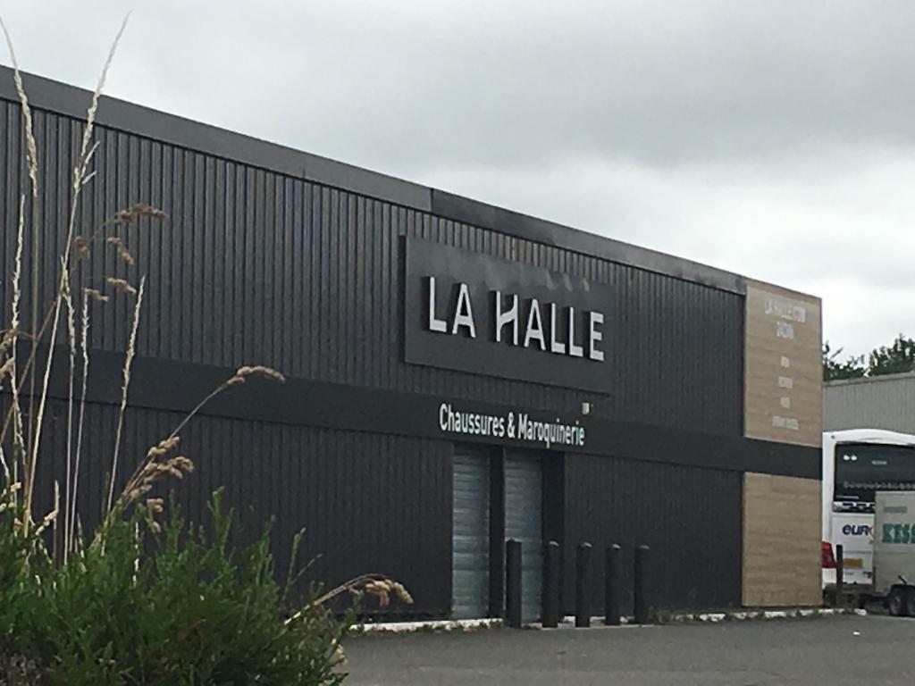 a7bf5bbc0af756 La Halle - Chaussures & Maroquinerie, 8 r Logettes, 35135 Chantepie -  Magasin de chaussures (adresse, horaires, avis)