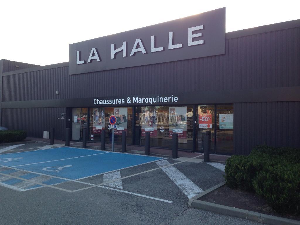 12 Halle 38150 Chaussures amp; R Maroquinerie La Jonchain Nord 8nwxZ8