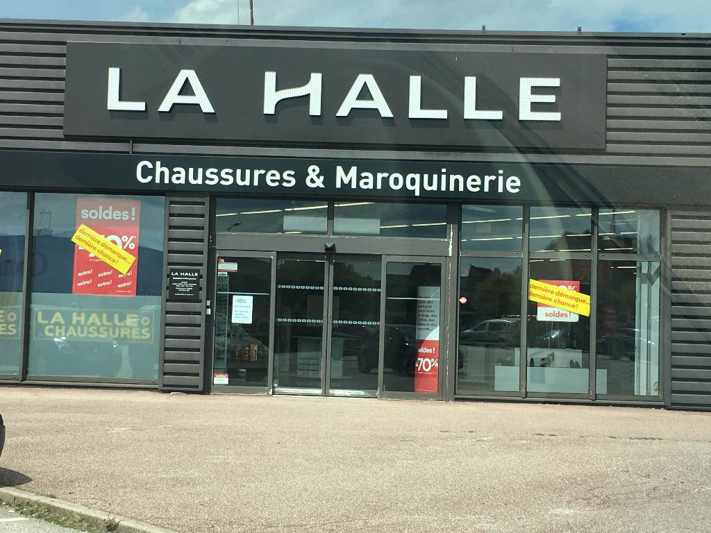 la halle chaussures maroquinerie chaussures 3 avenue lib ration 54300 lun ville adresse. Black Bedroom Furniture Sets. Home Design Ideas