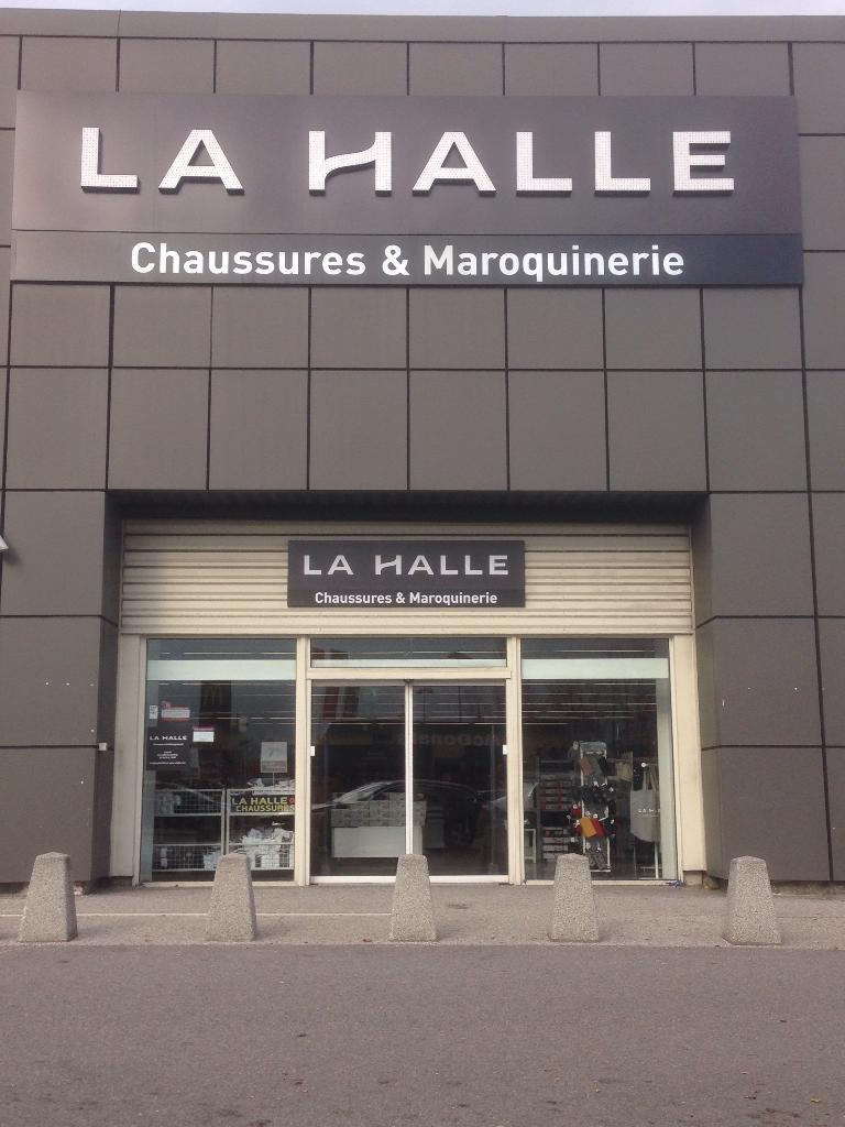 e7a73ae3292340 La Halle Aux Chaussures, chem Chiriac, 73200 Albertville - Magasin de  chaussures (adresse, horaires, avis)