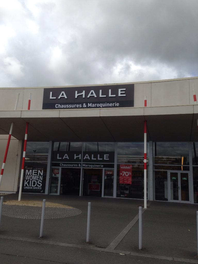 La 8 194586000 Poitiers Halle Chaussuresamp; MaroquinerieAv Mai rBCdxoe