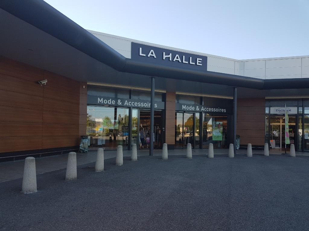 La Halle Mode et Accessoires Saint Jean De Soudain Saint