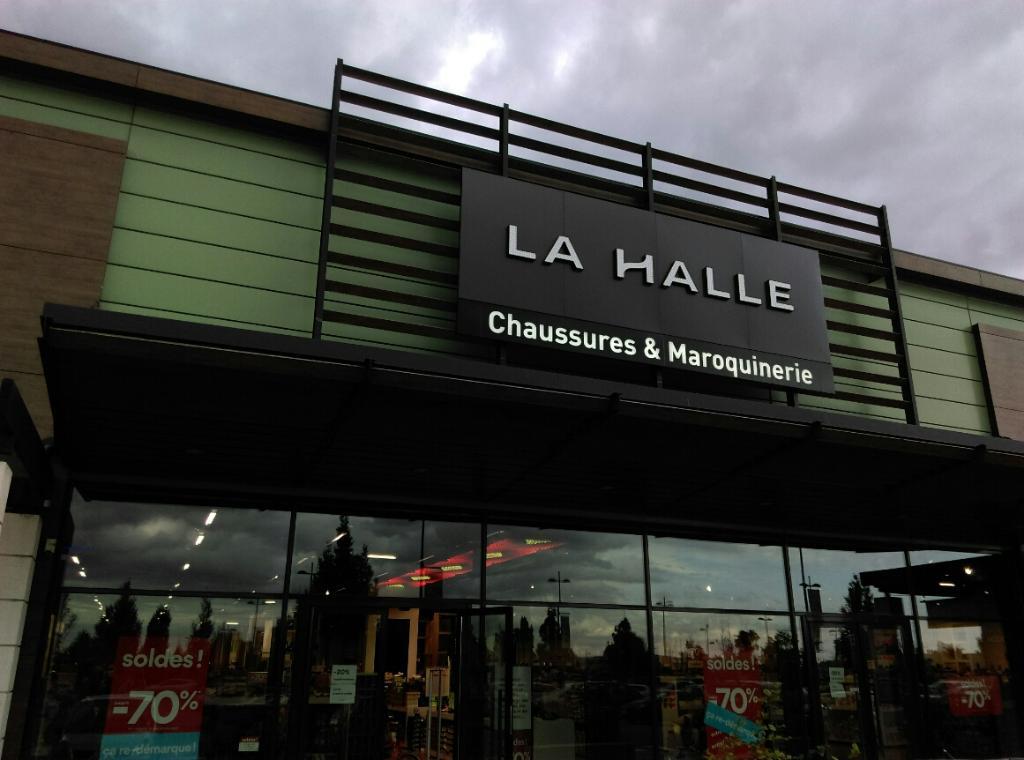 93ae1f52c27676 La Halle Chaussures et Maroquinerie, rte Quarante Sous, 78410 Aubergenville  - Magasin de chaussures (adresse, horaires, avis, ouvert le dimanche)
