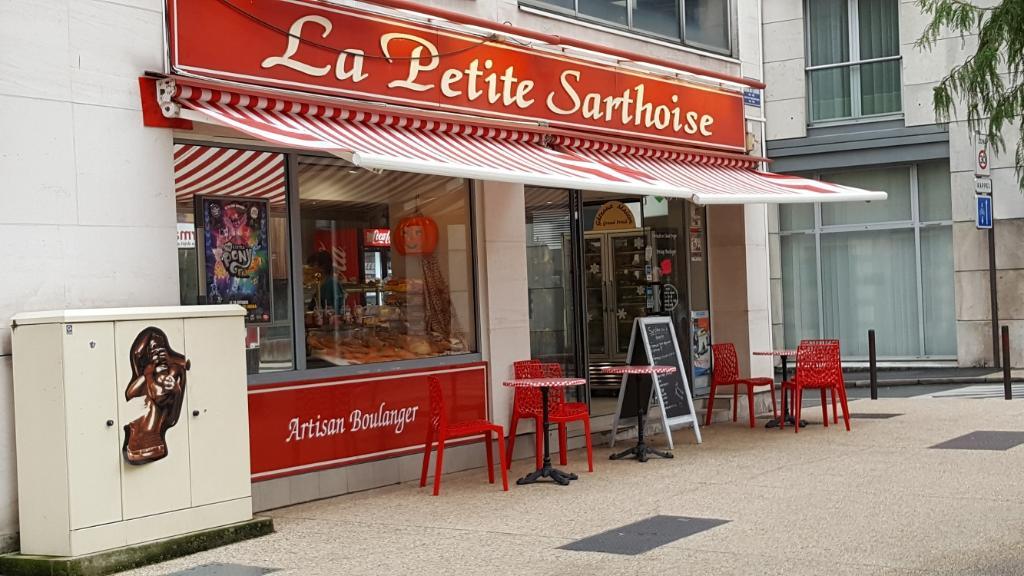 La Petite Sarthoise. Boulangerie pâtisserie. 61 avenue François Mitterrand  72000 Le Mans 0433d55bfcec