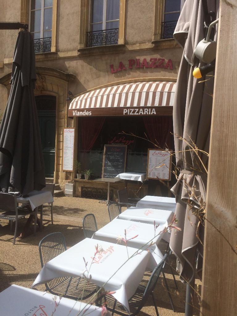 La piazza restaurant 17 place de chambre 57000 metz adresse horaire - Restaurants place de chambre metz ...