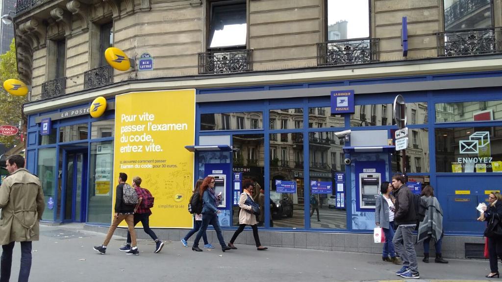 La poste envoi et distribution de courrier 22 rue for Bureau poste paris 13 horaires