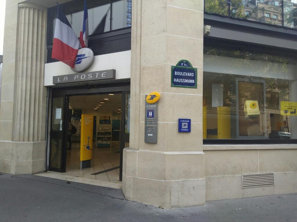 La poste envoi et distribution de courrier boulevard