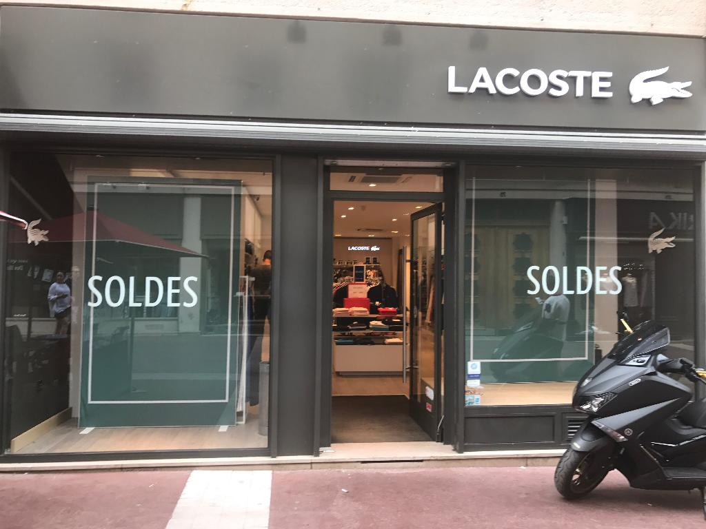 lacoste boutique magasin de sport 68 rue saint nicolas 76000 rouen adresse horaire. Black Bedroom Furniture Sets. Home Design Ideas